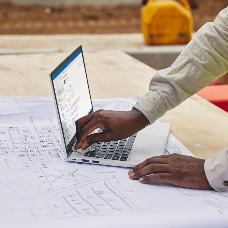 qnap-rail-b02-porta-accessori-1.jpg